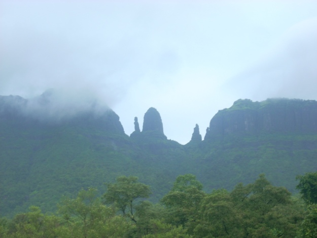 A view of the Mahuli Fort in the rains