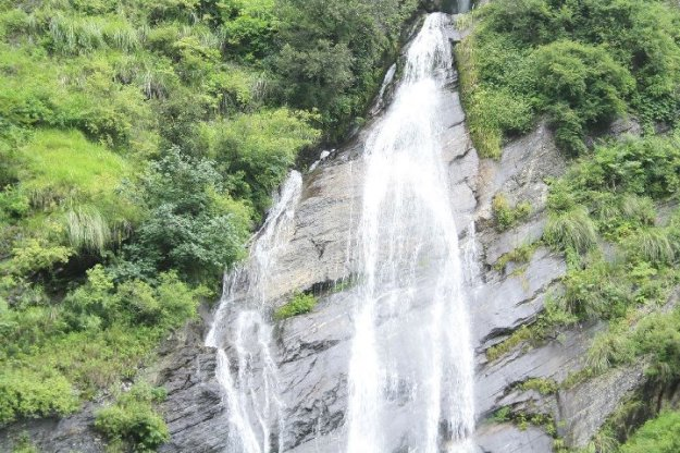 Waterfalls at the entrance of Joshimath