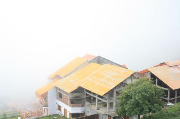 Some of the houses in Auli to stay
