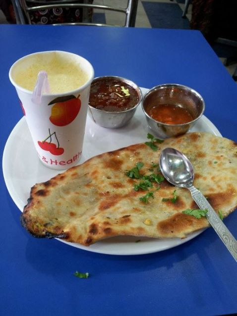 Cheese Nan, Dal Makhni & Mango Lassi @ Brother's Dhaba