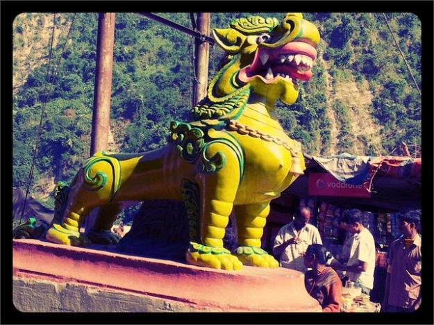 Near Tiger Bridge enroute Darjeeling