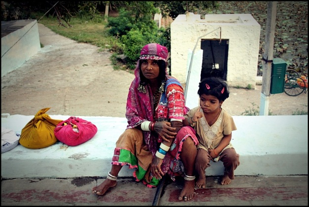 Lamani Woman with her kid near the Lakshmi Temple