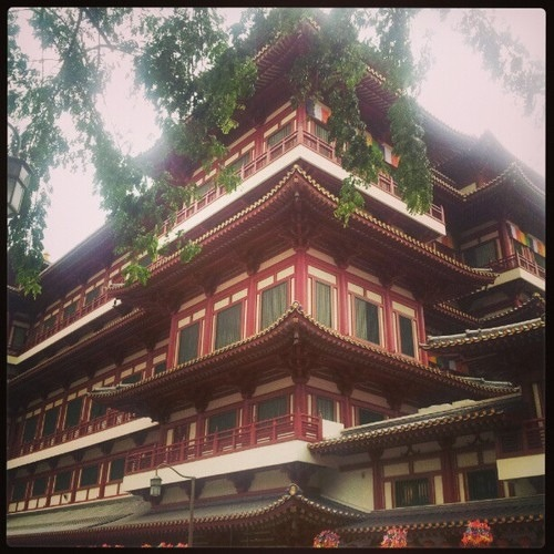 Buddha Tooth Relic Temple - Chinatown
